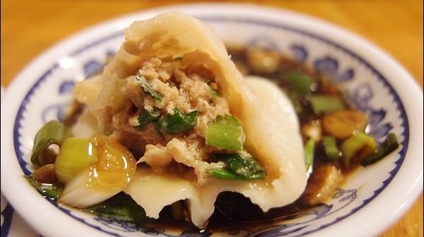[食記]台中神岡-蓉城水餃海鮮小館。腳踏車道旁的美食